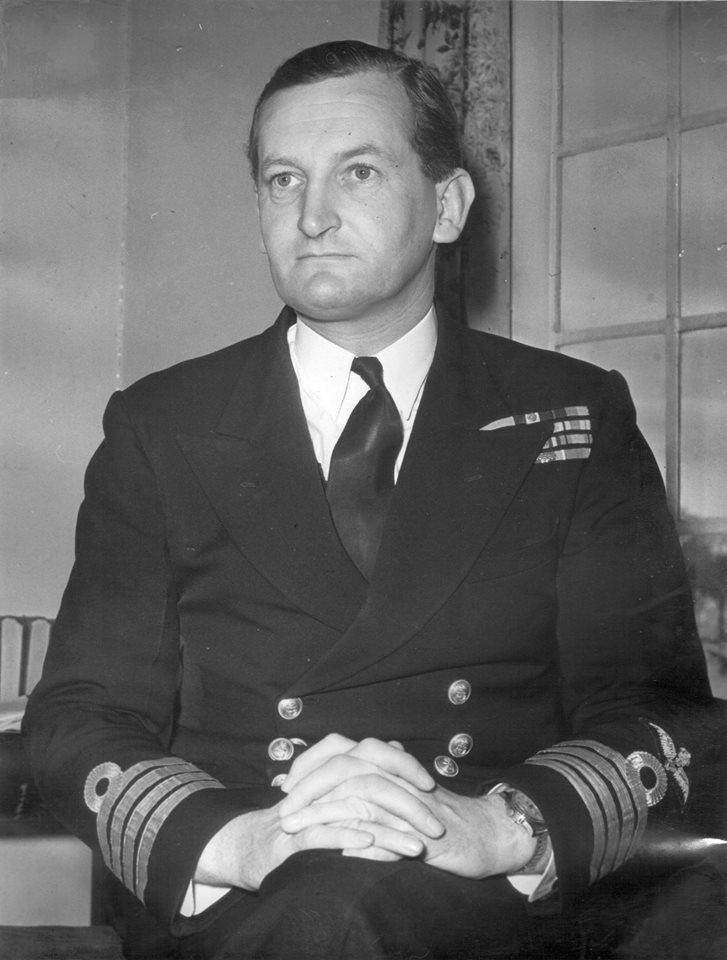 """Ο πλοίαρχος Philip """"Percy"""" Gick την περίοδο που ήταν κυβερνήτης του H.M.S. DARING"""